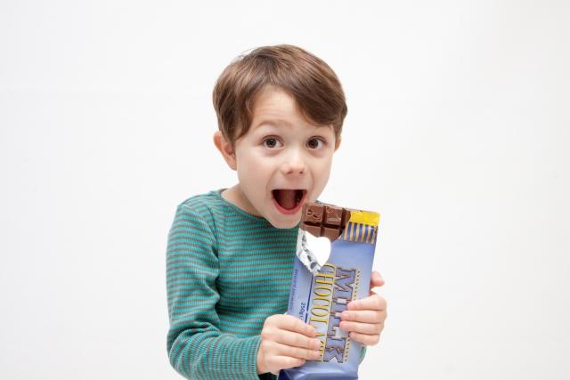 boy/chocolate