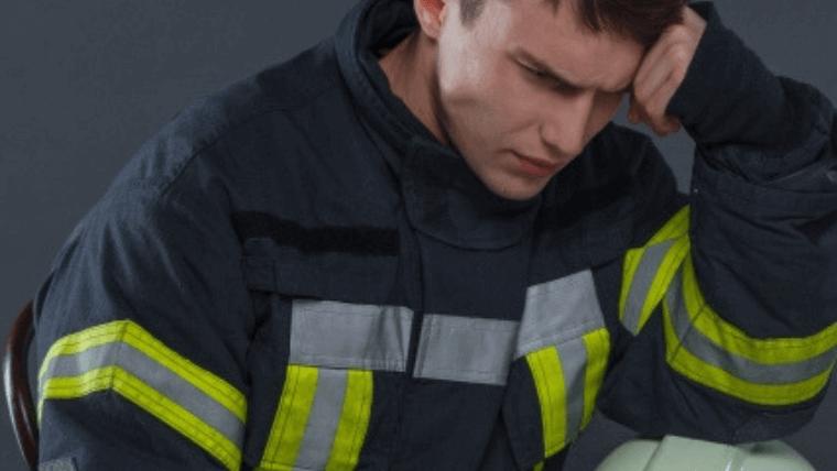 5Gで苦しむ消防士